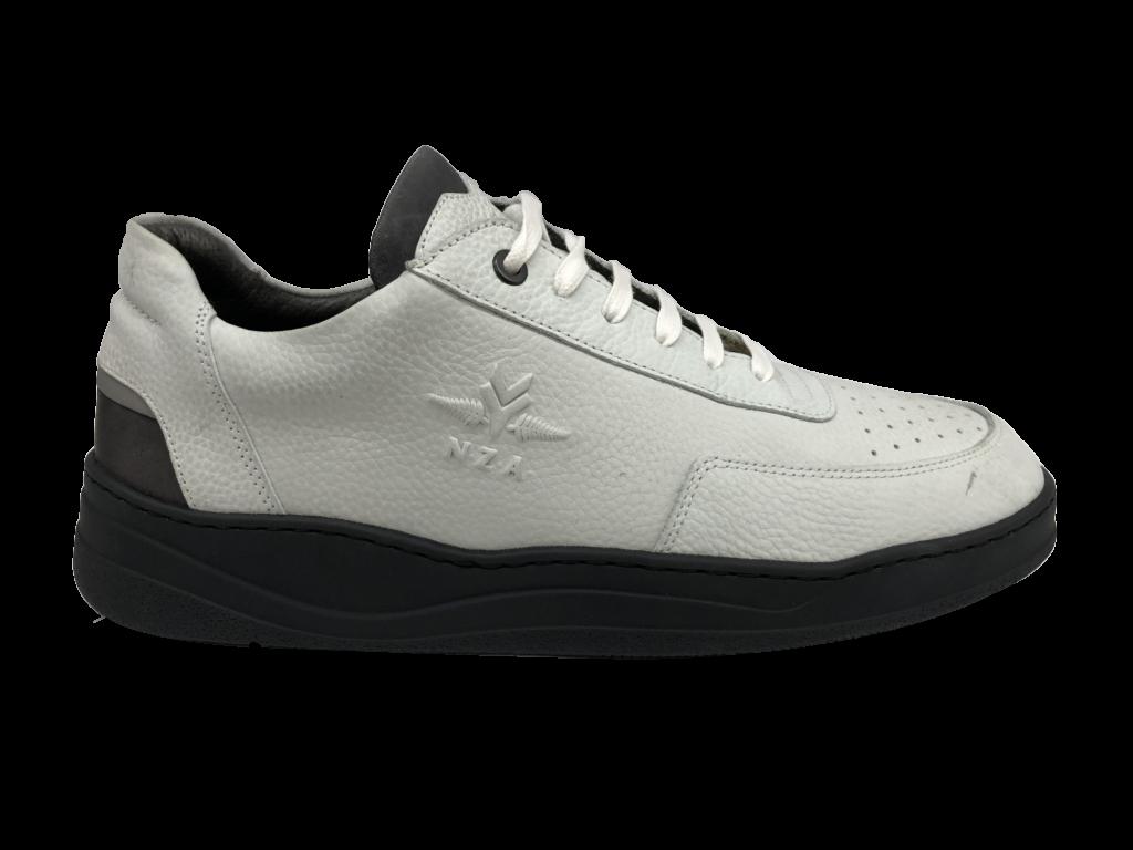 witte sneaker NZA